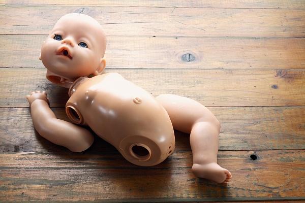 картинки сломанной куклы проектированию возведению лесницы