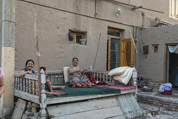 фото как люди живут в узбекистане применение